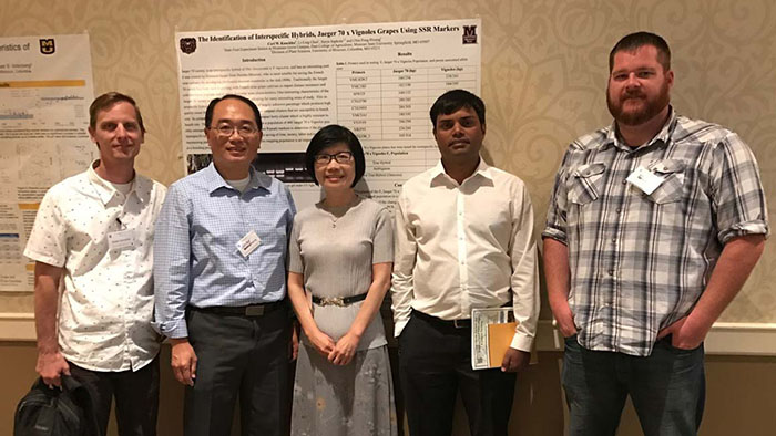 Agriculture students present grape breeding research at conference