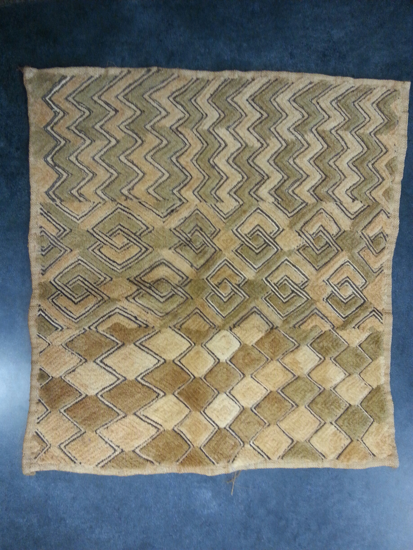 African Textiles, Researched by Hillary Kummer, Tana Redman, Lauren Fitzpatrick, and Rachel Johnson