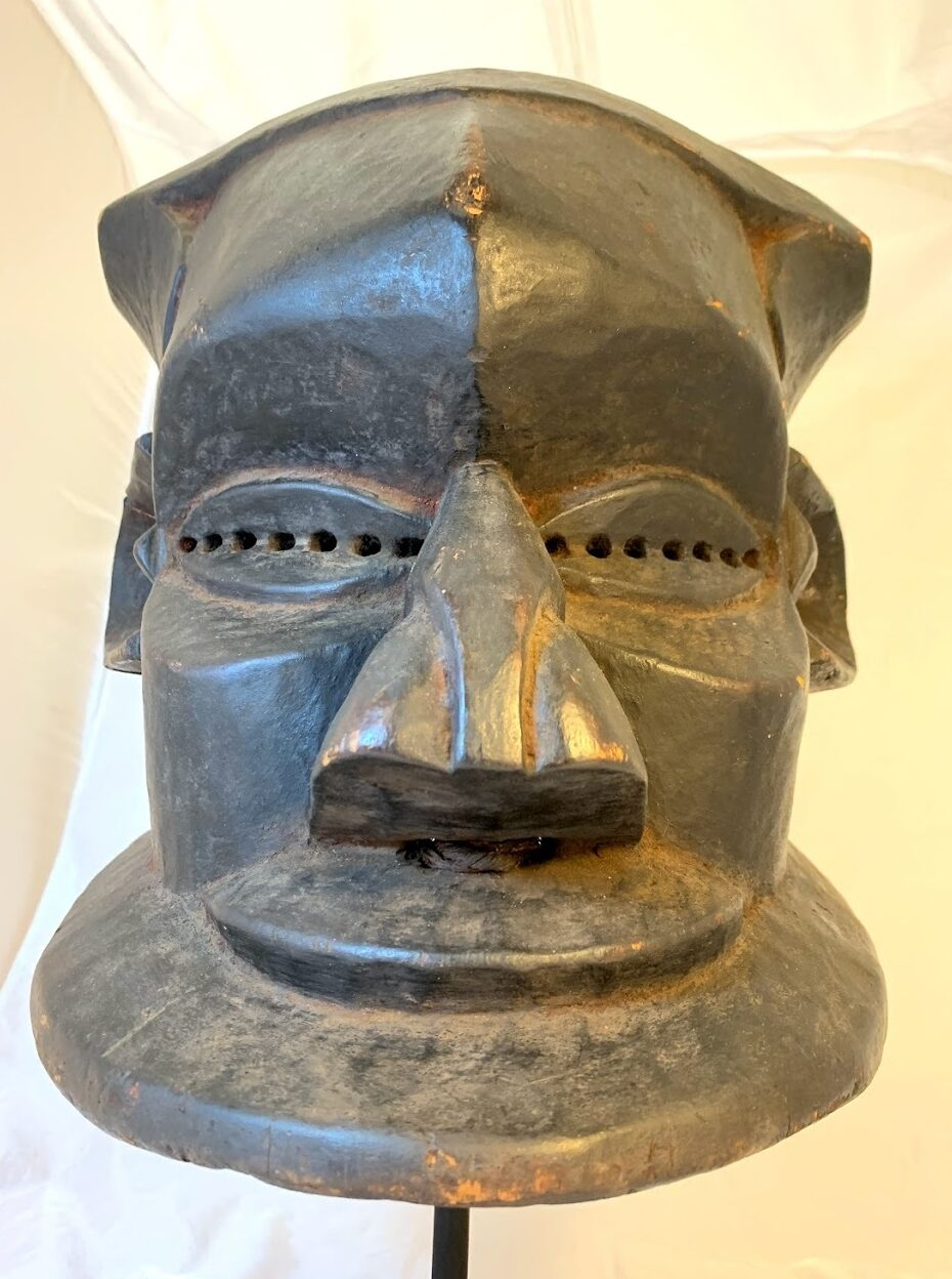 Image of Simplified Bwoom Helmet Mask with Flared Base