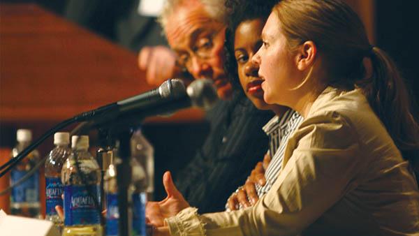 DDr. Rachelle L. Darabi speaking with lawmakers