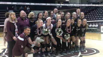 Volleyball sweeps Loyola on senior night