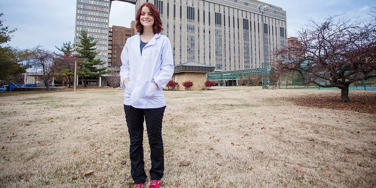 Bethanie Funderburk in front of Barnes-Jewish Hospital