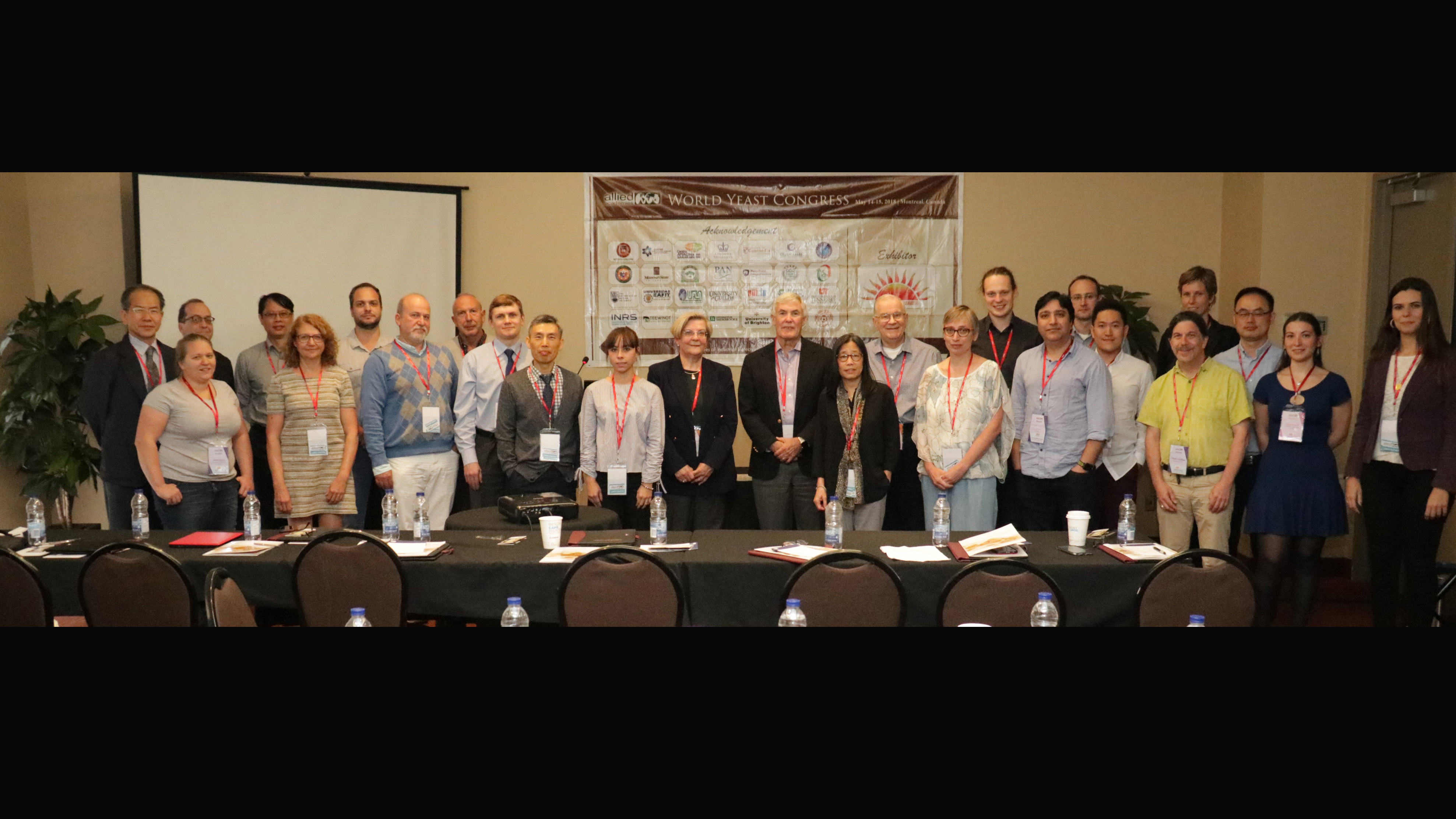 Participants at the World Yeast Conference. Dr. Kim is 10th from the left.