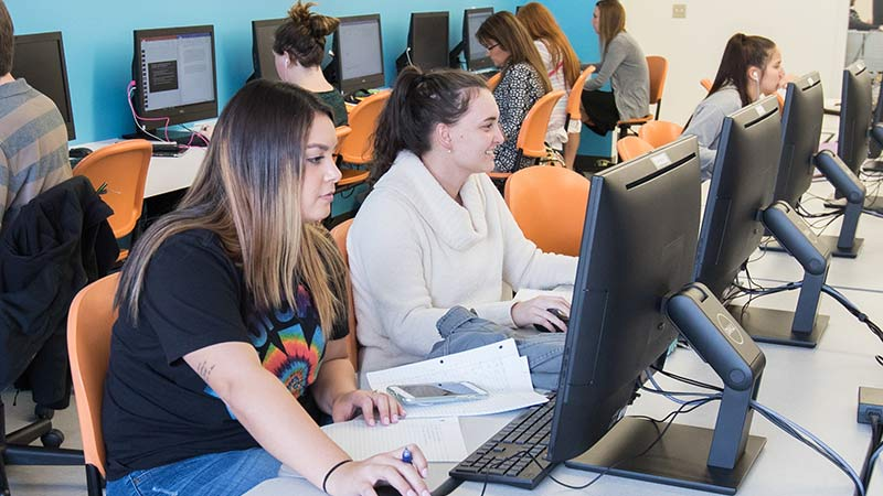 Missouri State students in computer lab.