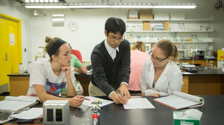 Students apply chemistry knowledge at conference