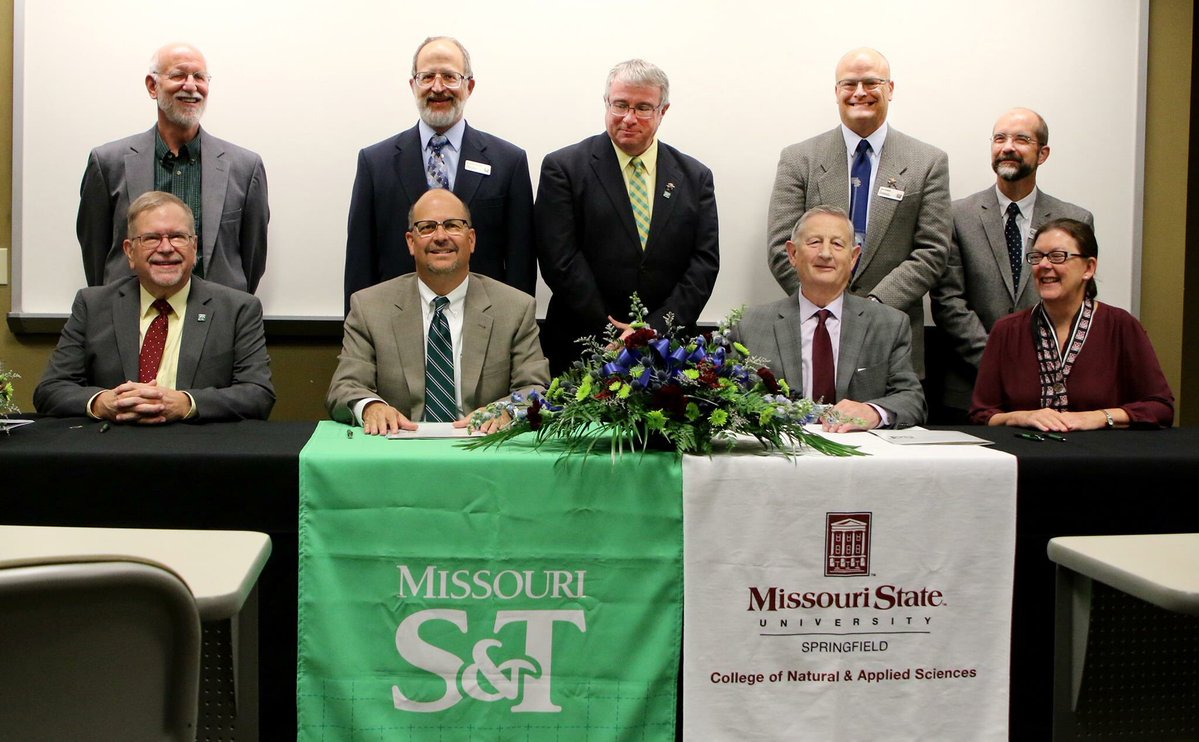 S&T signing the agreement