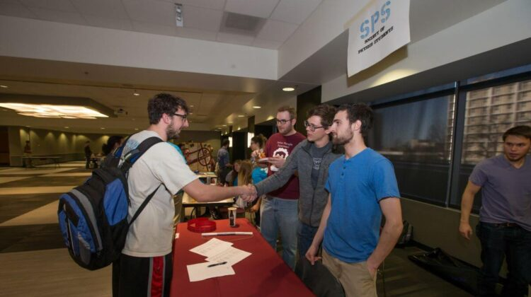 CNAS students interact at the The College of Natural and Applied Sciences 2016 CNAS Student Expo event.