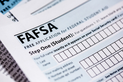 First-generation student group offers FAFSA tutorial