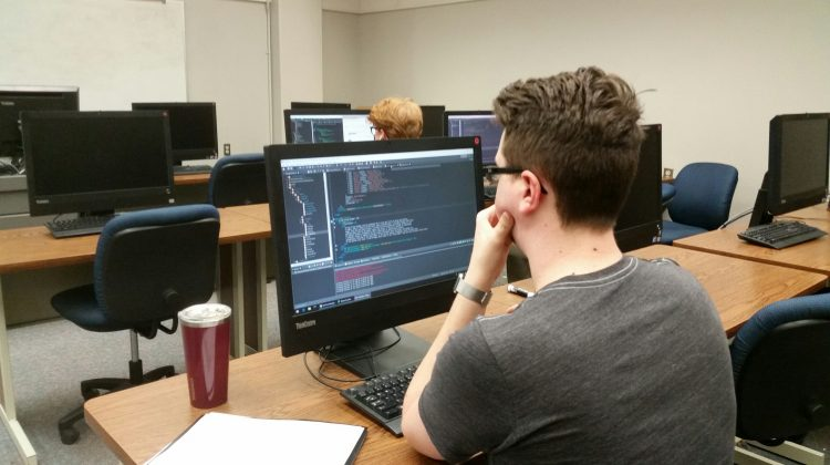 Computer science students gain internship experience