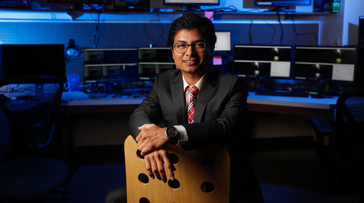 Dr. Razib Iqbal in the Multimedia Systems and Communications Laboratory (MuSyC Lab).