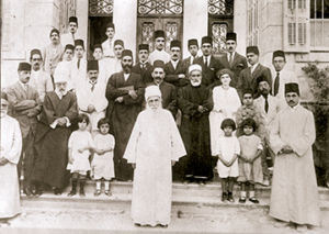 Photo of Abdul Baha with his grandsons and other Baha'ís