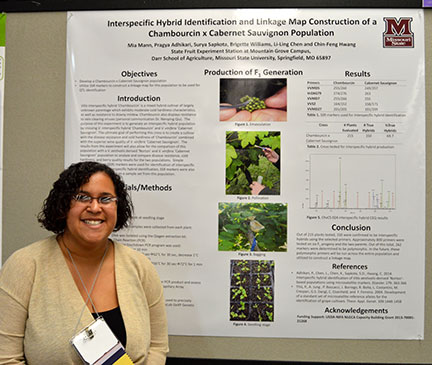 """Mia Mann presented a poster entitled """"Interspecific Hybrid Identification and Linkage Map Construction of a Chambourcin x Cabernet Sauvignon Population"""""""
