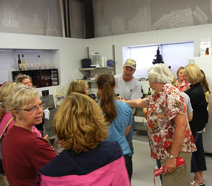 C. J. Odneal presented our wines to the group for tasting.