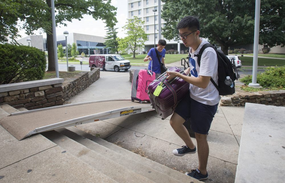 New international students receive help moving into housing at Missouri State University.