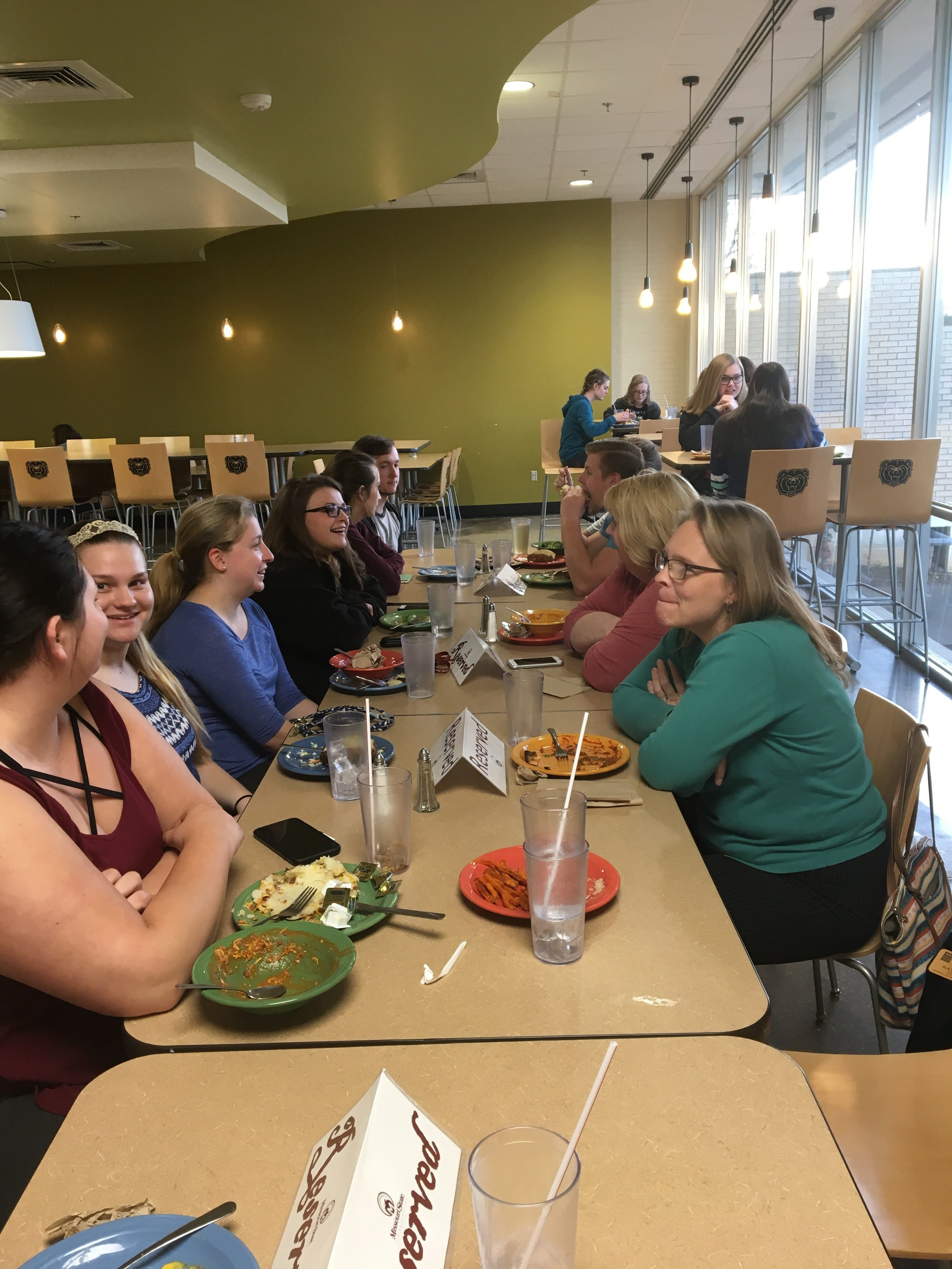 Future Health Care Professionals: Dinner with Faculty