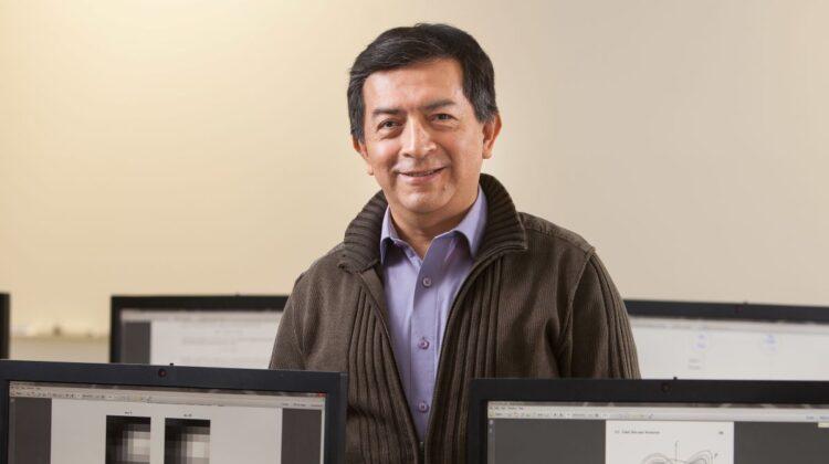 Dr. Jorge Rebaza in his lab.