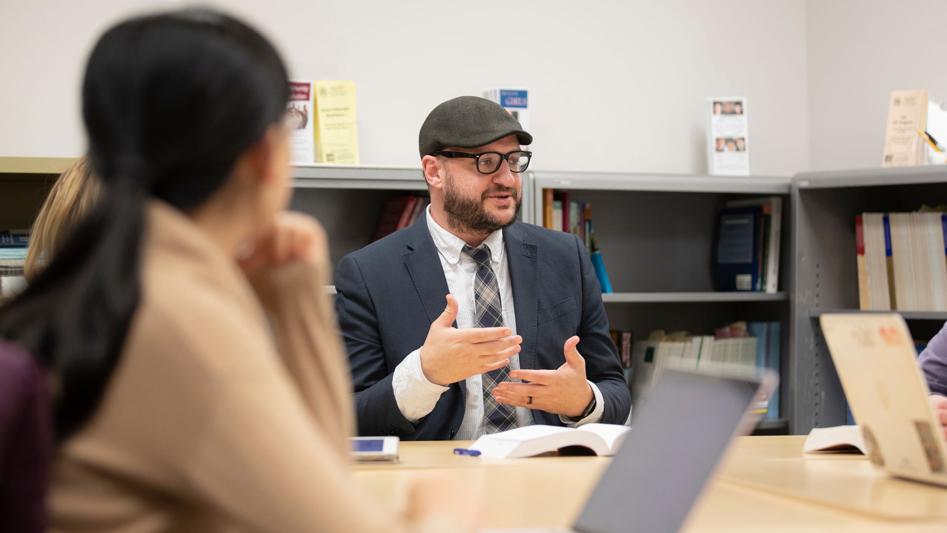 Professor Jake Simmons holds a discussion in his autoethnography class