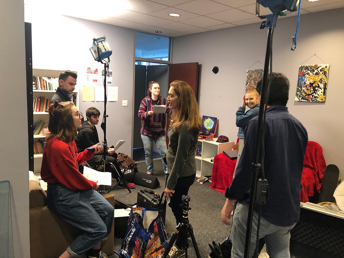 Photo of Cristina Pippa teaching a small group of students (Photo Credit: Cristina Pippa)