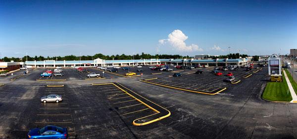 Glen Isle Shopping Center on South Glenstone Avenue