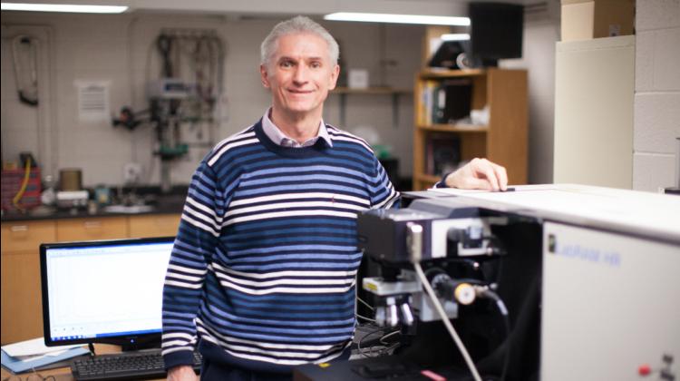 Dr. Robert Mayanovic in lab