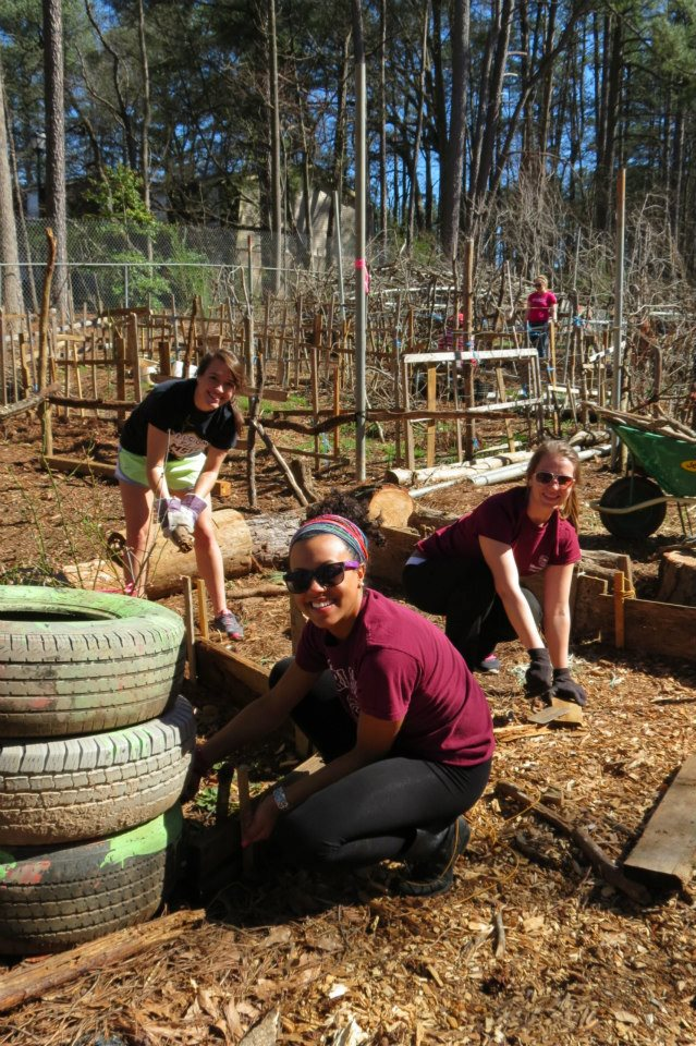 Religious Studies Major Digs the Service Learning Spring Break Experience