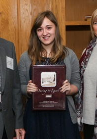 Samantha Nichols with her Citizen Scholar award